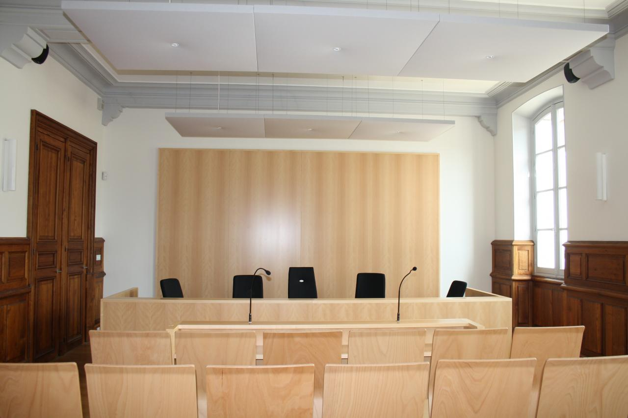 03-salle-d-audience-realisee.jpg